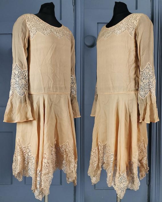 Beautiful Vintage 1920s Silk Georgette & Lace Flap