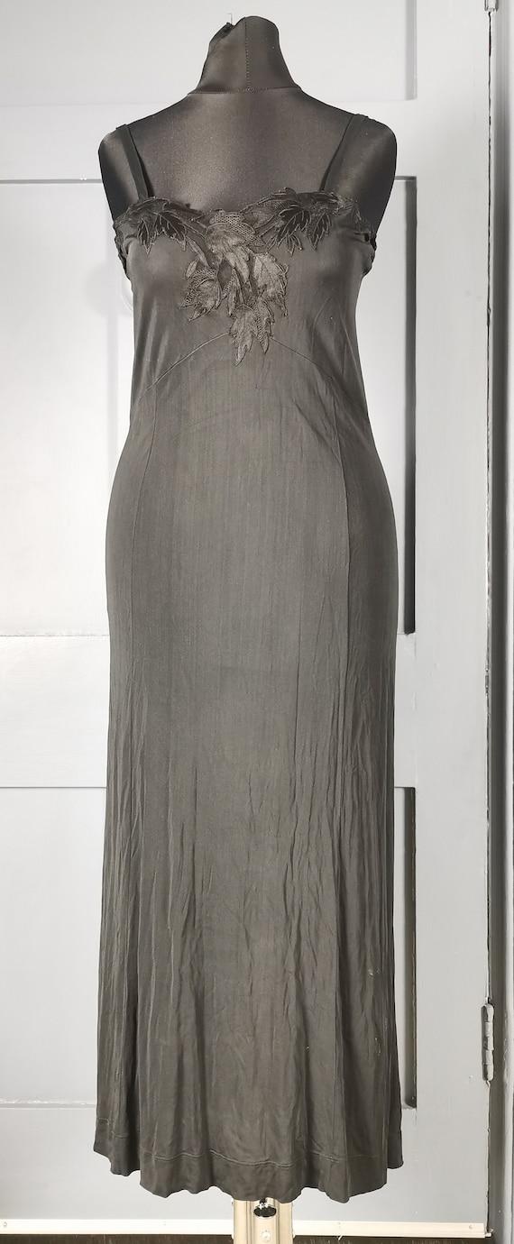 Sleek Vintage 1930s / 1940s Black Silk Negligee /