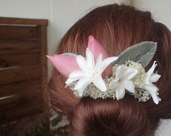 Bridal hair accessories. Lotus, nerine, and Jasmine Flower comb