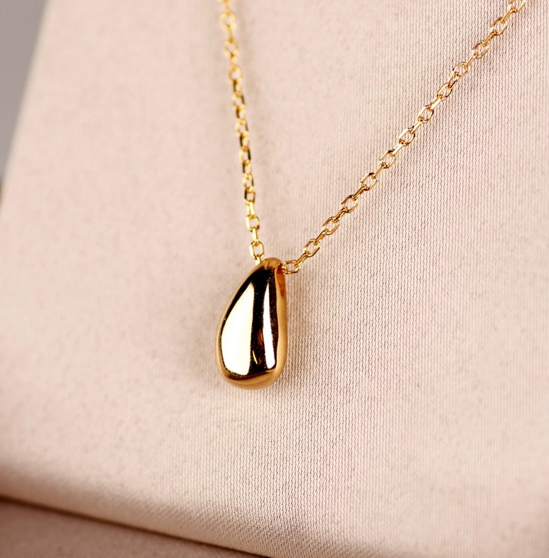 Minimalist small charm chain necklace Contemporary jewelry Sterling silver tear drop charm necklace Layered dainty gold necklace
