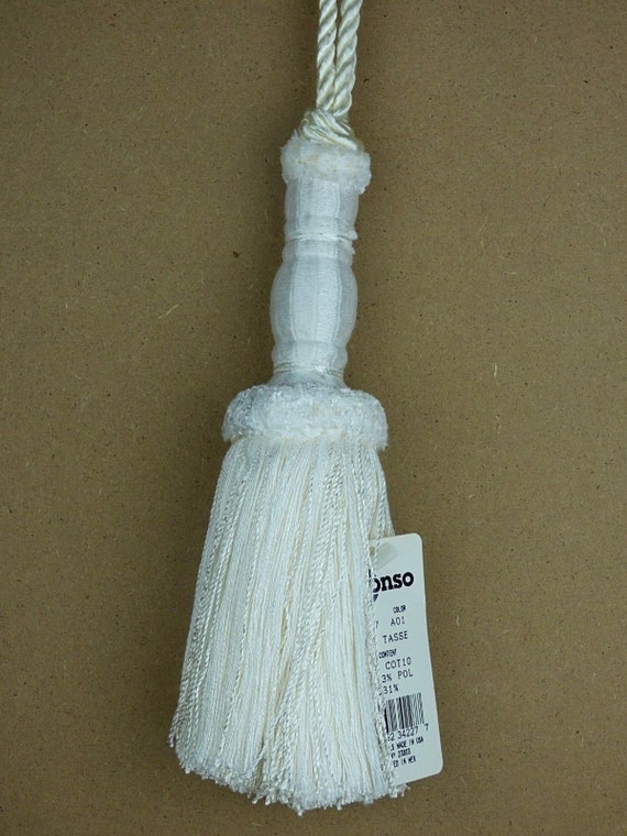 "Conso Princess II 22057 Color A01 WHITE Decorative 8/"" Swag Tassel 5/"" Loop Cord"