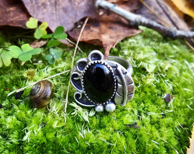Black Onyx Of The Woods and Leaves Sterling Silver Ring, Black Onyx Sterling Silver Ring, Onyx Silver ring