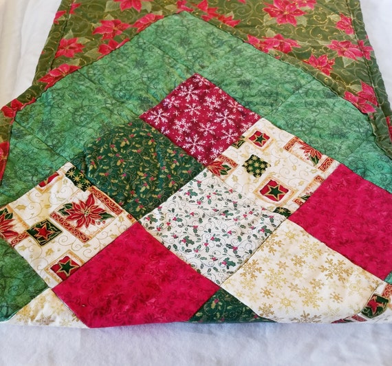 Yule Tidings Point Table Runner, Christmas Table Decoration, Holiday Table Runner