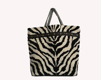 Chic XL tote bag in Velvet Zebra and gray tweed pattern