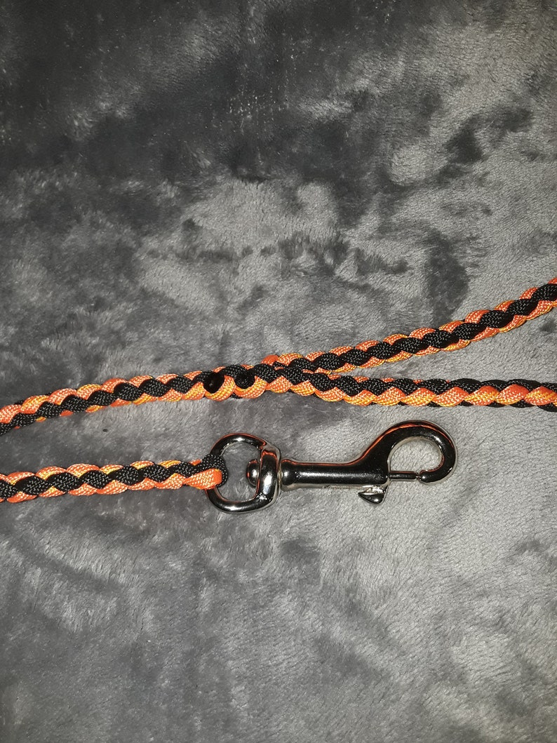 Handmade 44 orange and black paracord leash with clip