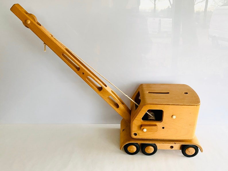 Mid Century plywood / wooden Crane toy by Friedrich Fröbel ...