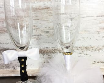 Bride and Groom Wedding Glasses/ Bride and Groom Toasting Glasses/ Bride and Groom Champagne Flutes
