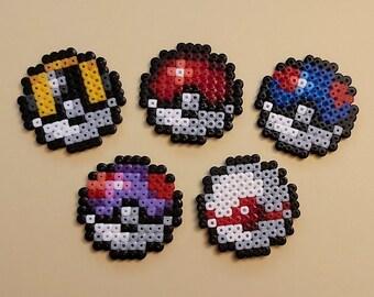 POKéBALL (POKEMON) Magnets / Keychains made of ironing beads, Magnets, Beads, Perler, Gaming, Beading, Nerd, Keychain, Key, Pokeballs