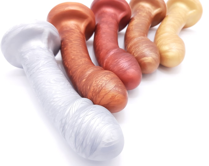 Uberrime Essential G-spot Dildo in Metallic Colors