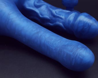 The Sapphire Sex Toy Set - The Splendid Gentleman 2.0, The Bouton and a Matching Butt Plug  (mature)