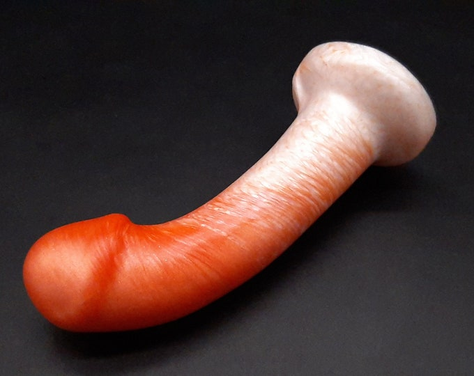 The Praesto G-Spot Dildo