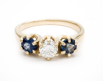 Understated 14K Yellow Gold 3-stone dinner / engagement ring set w/ Fine Brilliant cut Diamond & two gemmy diamond-cut Royal Blue Sapphires
