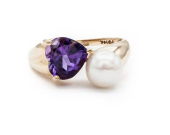 Vintage Heart Shaped Amethyst Dinner / Engagement Ring paired with fine Japanese Akoya Saltwater Cultured Pearl in 14K Yellow Gold