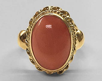 14K Yellow Gold beautifully detailed vintage Ring bezel set with fine Italian high-polished cabochon Coral circa 1960's in mint condition