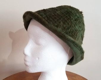 855611c91bc Vintage Felt Wool Cap. Green Mohair   Wool Felt in Moss Green with Copper  Pattern. Bucket