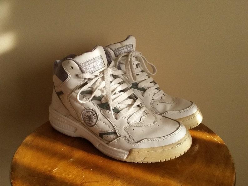 7502626a9179 Vintage 90s Men s Converse White Hi-Top Sneakers.