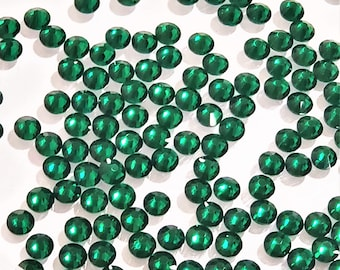 Green Carrington Crystal Glass Flat Back 16SS Peridot #117 gross 144 count