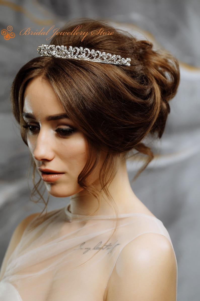 Bridal Tiara,Silver Tiara,Pearl Bridal Crown,Pearl Wedding Tiara,Pearl Wedding Hair Accessory,Wedding Headpiece,Bridal Hairpiece,Pearl Crown