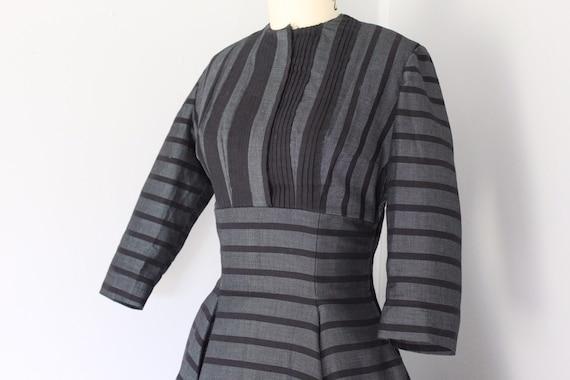 Vintage 1950s gray and black striped twead swing … - image 4