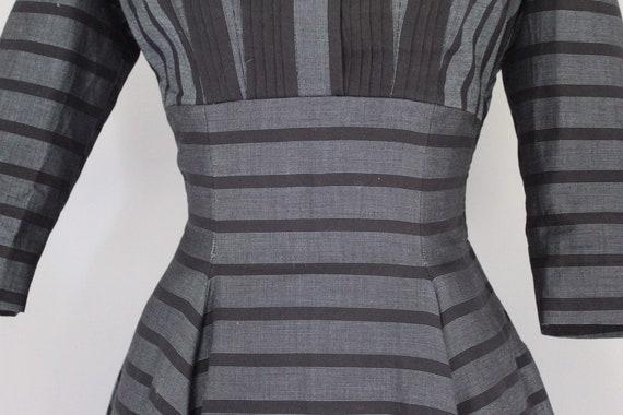 Vintage 1950s gray and black striped twead swing … - image 8