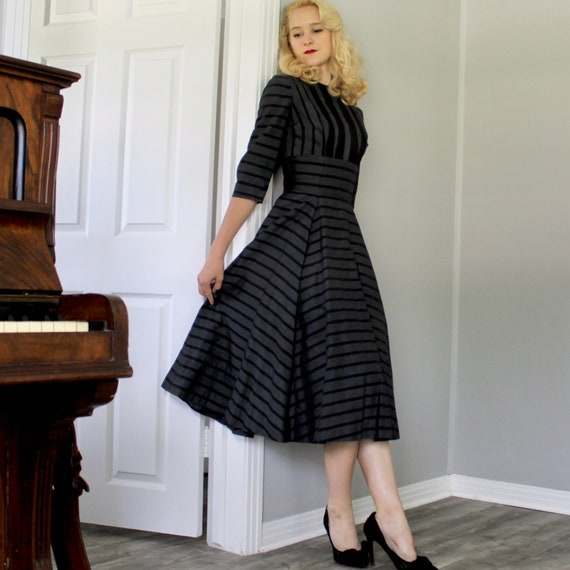 Vintage 1950s gray and black striped twead swing … - image 2