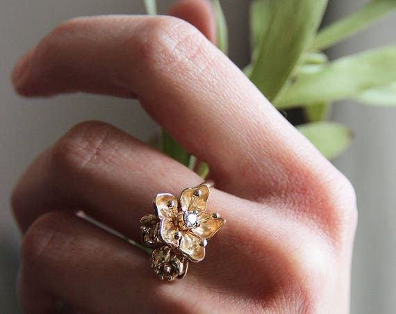 18K gold ring, unique diamond ring, yellow gold ring, engagement ring, gold flower ring, flower engagement ring, proposal ring, unique ring