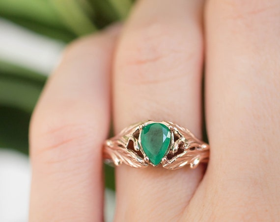 Teardrop emerald engagement ring, rose gold leaves ring, ring for woman, unique ring, forest ring, nature engagement ring, genuine emerald