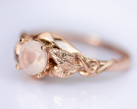 Rose quartz engagement ring, rose gold ring, leaves nature ring, ring for woman, unique engagement ring, rose quartz jewelry, romantic ring