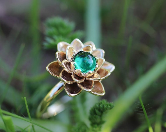 Rose gold flower ring with emerald, lotus engagement ring, lab emerald ring, delicate proposal ring, gold ring for woman, floral jewelry