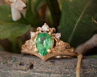 Natural emerald engagement ring, emerald and diamonds ring, nature engagement ring, pear cut ring, gold leaf ring, ivy ring, leaves ring