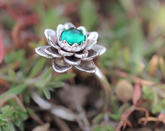 White gold flower ring with emerald, lotus engagement ring, lab emerald ring, delicate proposal ring, gold ring for woman, floral jewelry
