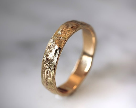 Men wedding band in solid gold, textured wedding ring, rustic ring, men jewelry, unique wedding band, yellow gold, rough ring, 14K gold