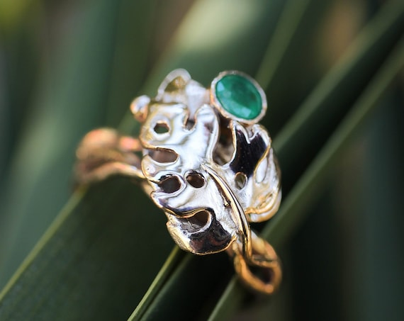 Gold monstera ring with natural emerald, leaves engagement ring, rose gold ring, unique nature ring, ring for woman, jewelry gift, botanical