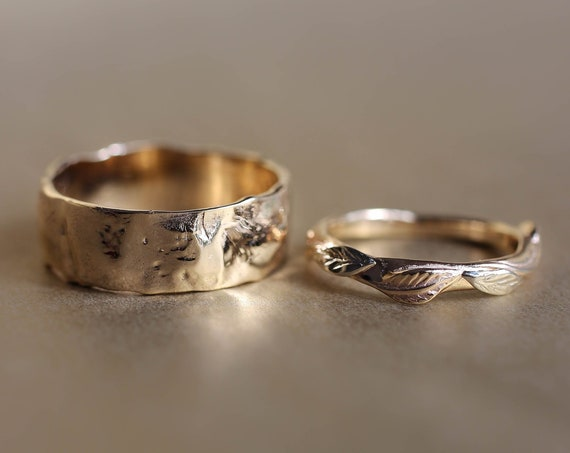 Rustic wedding bands set, rough wedding ring, yellow gold rings, unique wedding rings for man and woman, nature ring, hammered band, leaves