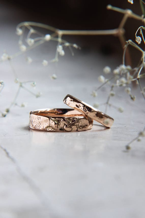 Textured gold wedding bands set, Unique wedding ring, Modern gold wedding jewelry, Rustic wedding ring, Unusual man and woman wedding ring
