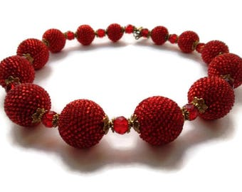 Magic Beads Red charm necklace Brilliant beads Red and gold Bohemian Necklace Crystal beads Crochet with beads Bold red necklace Romantic