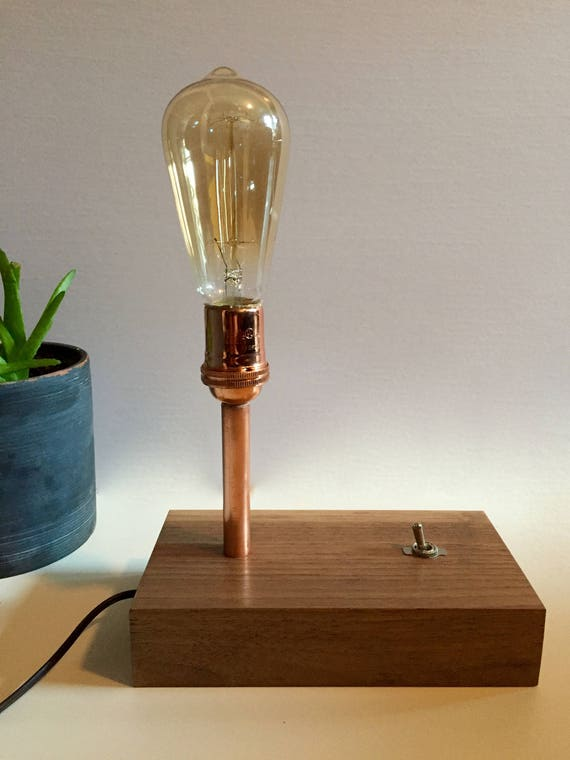 Nussbaum Kupferrohr Lampe
