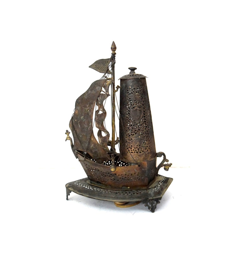 Outstanding Vintage Nice Decorative Handmade Brass Table Lamp Retro Boat Shape Old Ship Lamp Vintage Theme Decor Unique Gifting Lamp G68 13 Interior Design Ideas Clesiryabchikinfo