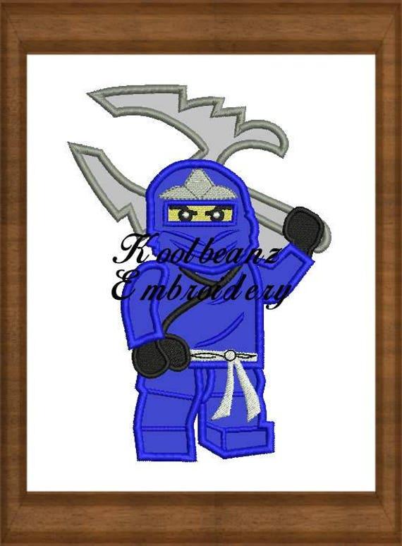 Ninja bleu aller. 4 x 4 5 x 7 fichiers de broderie numérique applique.