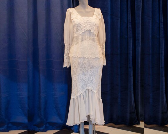 Vintage bohemian 1920's style wedding dress