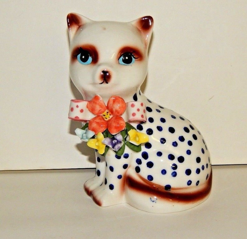 BLUE EYE SIAMESE Cat FIGURINE kitty kitten HAND PAINTED COLLECTIBLE Resin Statue