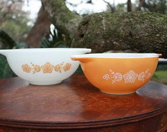 Vintage Pyrex Yellow Butterfly Gold Mixing Bowl Set