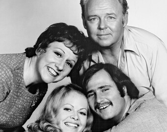 All in the Family Cast 8 x 10 / 8x10 GLOSSY Photo Picture
