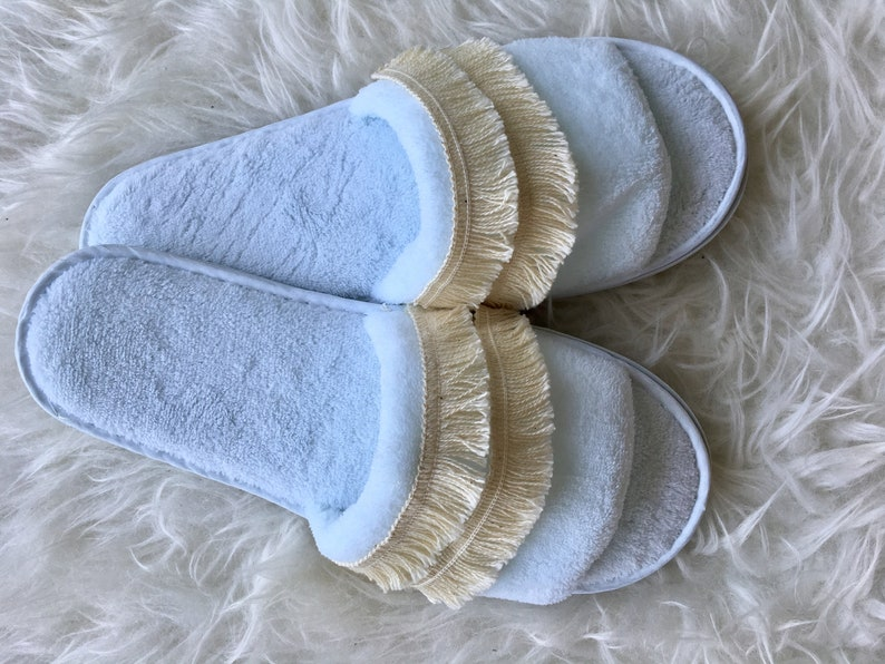8d7dd7e97350c Hospital luxury slippers matching Birth Hospital bag items