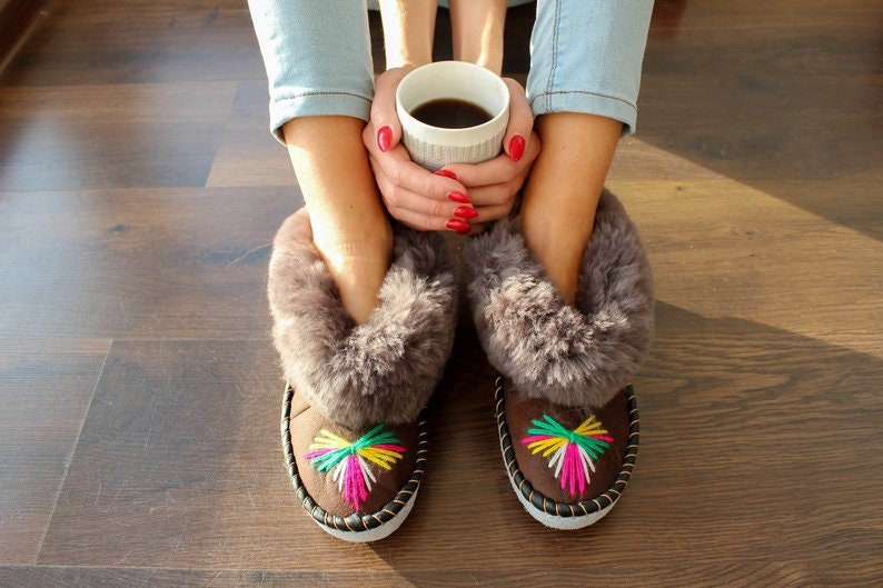 29833e35ad0bb SHEEPSKIN slippers LEATHER slippers Fur slippers shearling shoes Women  moccasins sheepskin boots fur boots valenki moccasin boots shoes