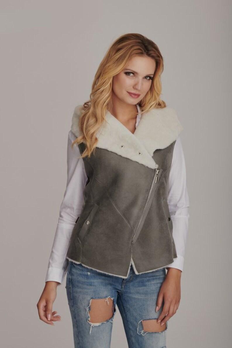 f7324643269485 Neue Schaffell Weste für Frauen Lammfell Damen Jacke warm | Etsy