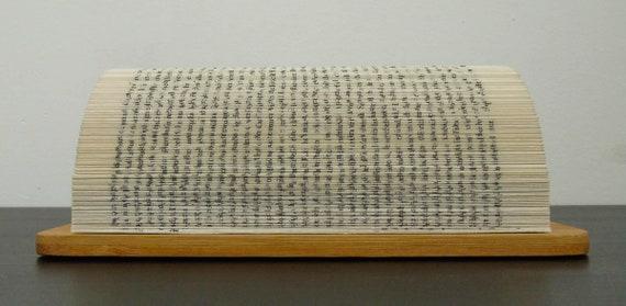 Visitenkartenhalter Aus Handgefaltetem Buch Auf Bambusplatte Geburtstagsgeschenk Für Ihn Upcycling Altes Buch