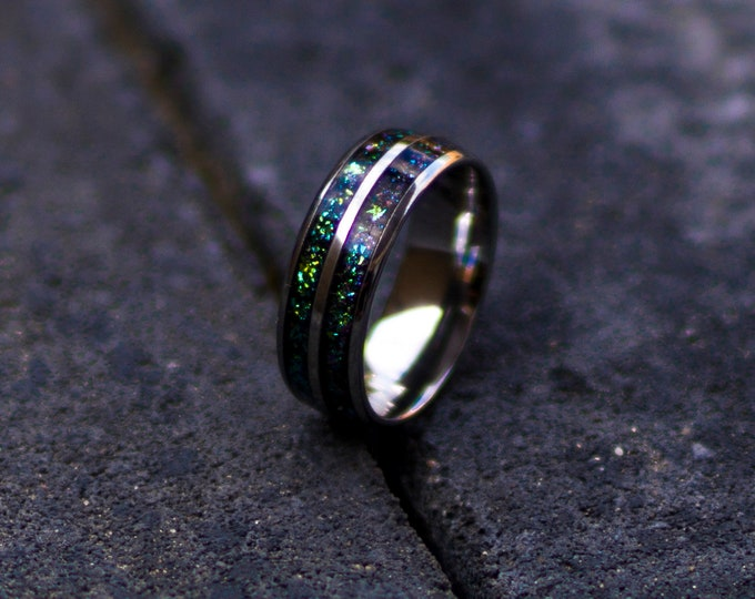 chameleon ring. 8mm tungsten ring. mens tungsten wedding bands. Double inlay ring. chameleon flakes. male wedding ring