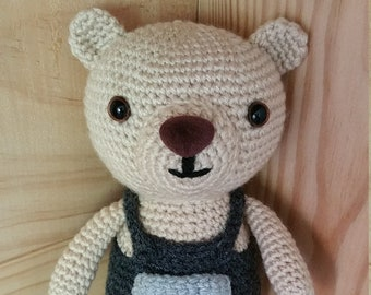 The bear crochet bird