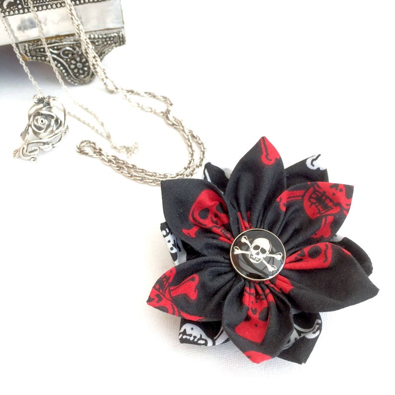 a55eb76d87b54 Skull and Crossbones Fabric Flower Brooch - Black and Red Skulls Pin Badge  - Gothic Pirate Jewellery for Women